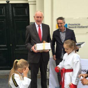 Op maandag 8 oktober is aan de heer Remkes van de Provinciale Staten van Noord-Holland een petitie aangeboden om talentontwikkeling in de sport weer op de politieke agenda van de provincie te plaatsen.